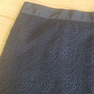 5/$25 J. Crew skirt black size 4 lace design
